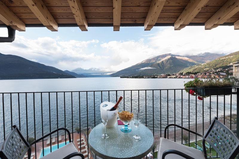 camera hotel regina vista lago